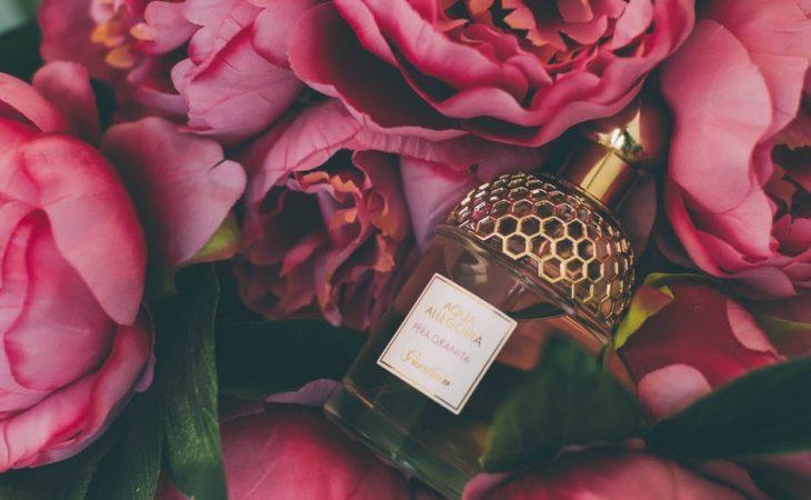 Blommor i parfym Image